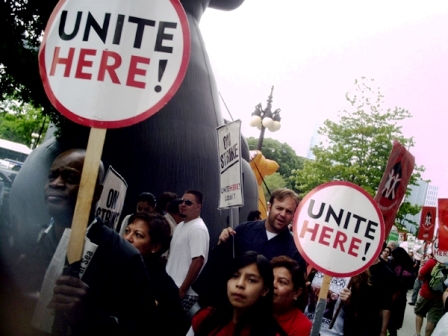 Congress Hotel strikers join forces for immigration reform