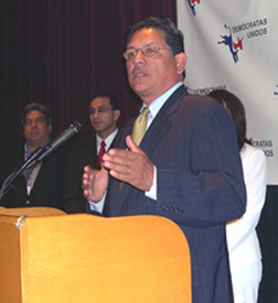 Texas parties split on immigration