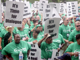 Thousands rally in support of health care workers