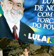 In close vote, Lula goes to runoff