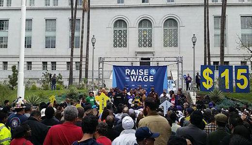 Los Angeles standing up to raise minimum wage
