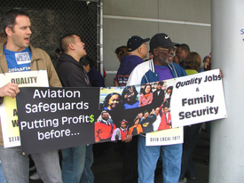 Oakland Airport workers rally for union rights