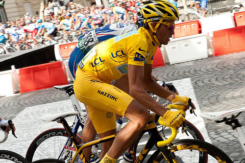 "Bicyclist Contador crowned ""King of Tour"""