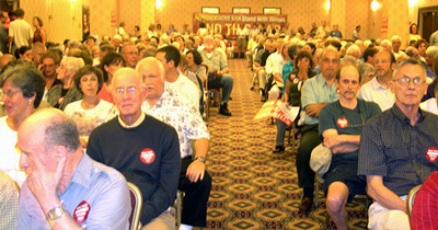 Town hall meeting calls on GOPs Kirk to oppose Iraq war