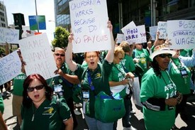 California workers condemn Schwarzenegger wage cut