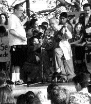 1916  2005 Lalo Guerrero, trovador chicano  presente!