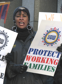 Autoworkers rally for good jobs