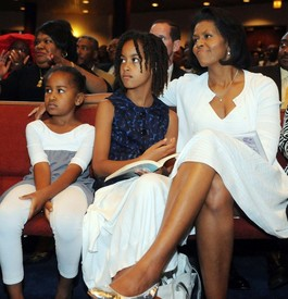 Washington Times fanned stereotypes with Obama daughters' picture