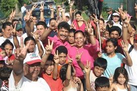 Nicaraguan Alexis Arguello, world boxing legend, dies at 57