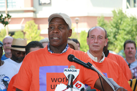 Actor Danny Glover joins St. Louis workers fighting union busting