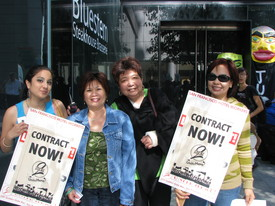 San Francisco hotel workers march for a new citywide pact