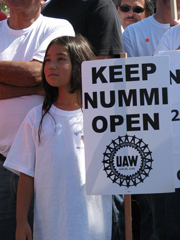 Workers demand Toyota keep NUMMI plant open