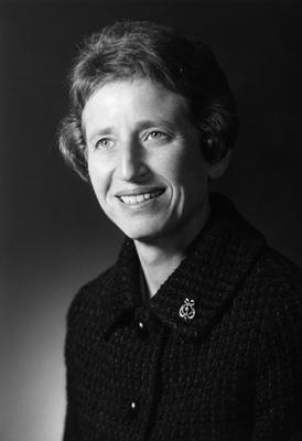 Pioneering lawyer Doris Brin Walker dies at 90