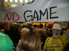 Hundreds protest Philadelphia Army Experience Center