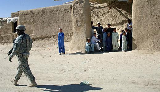Obama walks fine line with Afghanistan plan