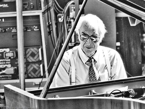 Jazz great Dave Brubeck dies at 91