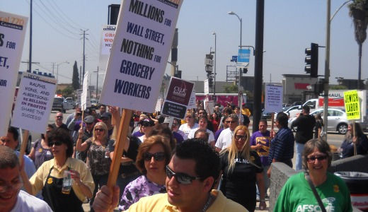 Union power: LA grocery workers march