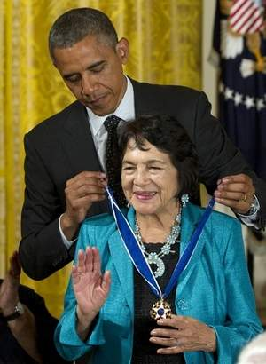 United Farm Workers' Huerta receives Medal of Freedom