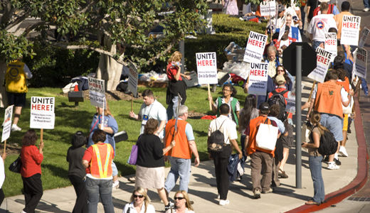 Non-union workers strike California hotel
