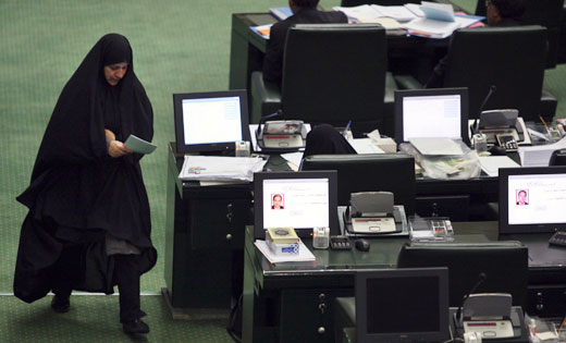 Power struggle rages in Iran