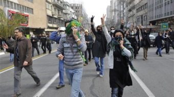 Iranian group calls for world protests as arrests mount
