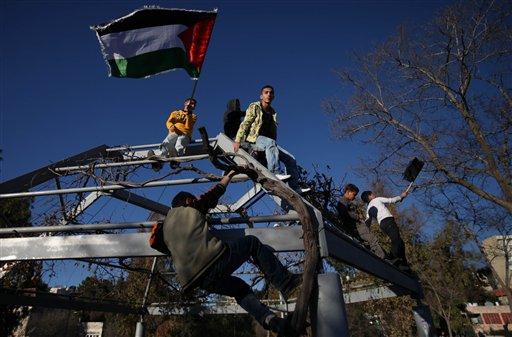 U.S. starts new drive for Israel-Palestine talks