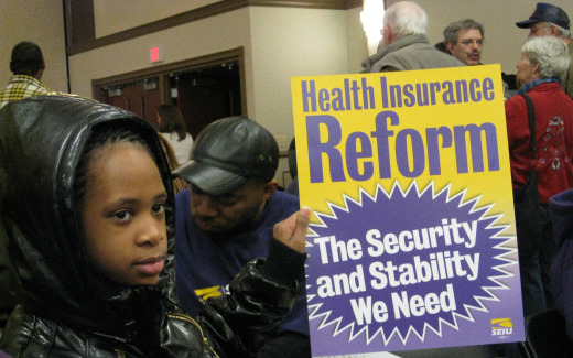 In Michigan suburb, rally revitalizes health care fight