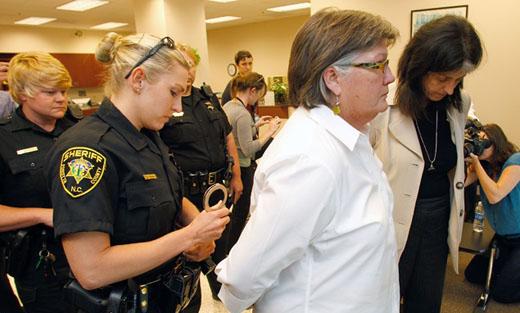 Lesbian woman seeking marriage license arrested in North Carolina