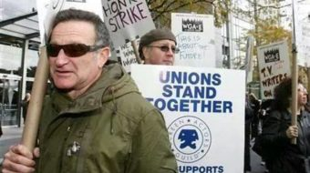 Among his many triumphs, Robin Williams stood with striking writers