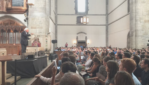 Sanders visits University of Chicago