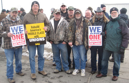 Locked-out workers and supporters converge on Minnesota town