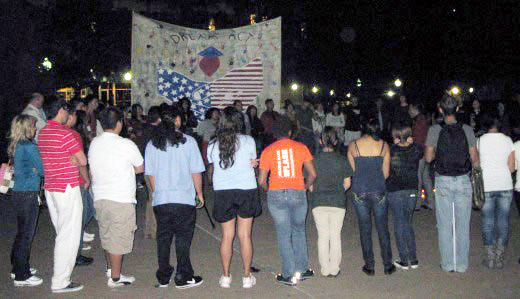 Texas students vigil for DREAM Act