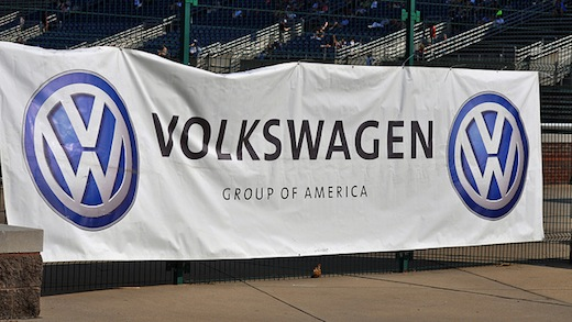 UAW: Majority at Tennessee VW plant sign union cards