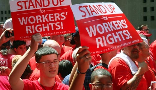 Verizon workers, allies stage massive contract rally