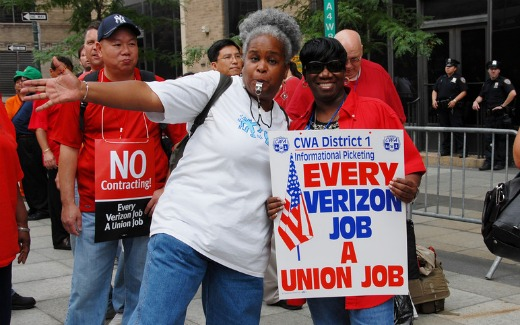 Verizon workers to take strike vote July 25 (video)