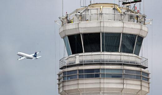 Republicans plan FAA shutdown to bust unions