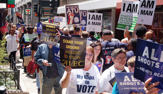 Thousands shut down Chicago streets at ALEC meeting