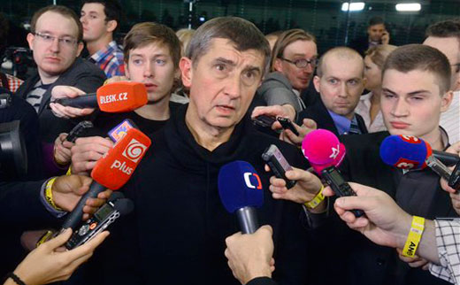 Czech elections: Communists advance but protest candidates steal the show