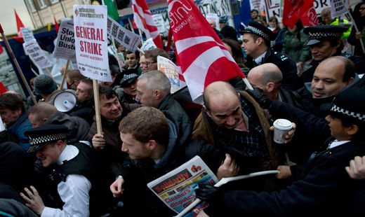 British union federation to push pay cap for execs
