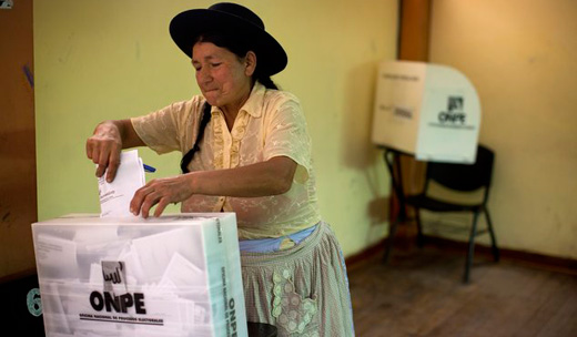 Left shut out in Peru presidential runoff; only right-wing candidates remain