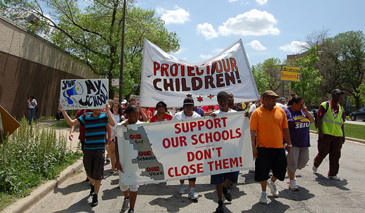 Chicago protests to stop 54 school closings heat up