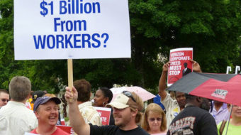 Workers raise the roof at Verizon shareholders' meeting