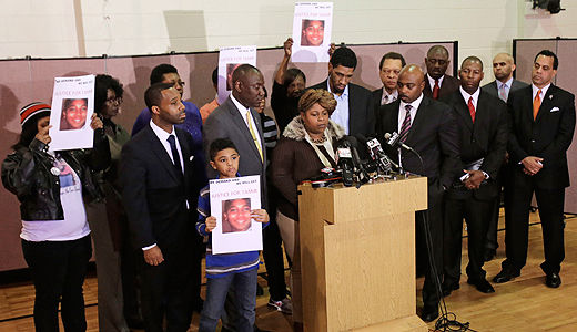 Tamir Rice's family mourns after non-indictment of police officers