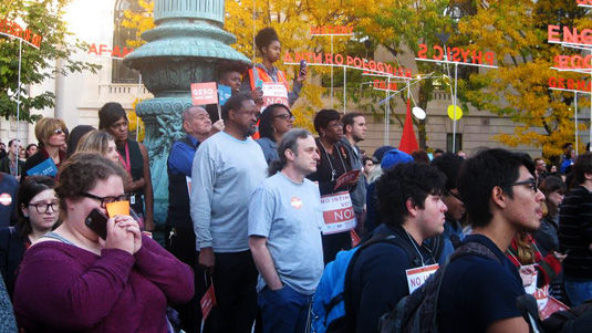Yale graduate student teachers rally for union election