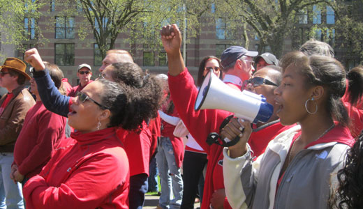 CWA rallies for contracts at AT&T