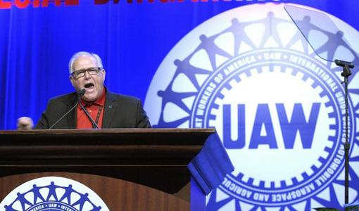 United Auto Workers union endorses Clinton