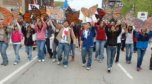 Youth: Let us serve our country, pass Dream Act