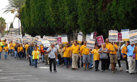 El Super workers continue fighting after 720 days with no contract