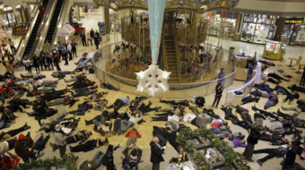 Activists shut down malls on Black Friday as Ferguson protests intensify