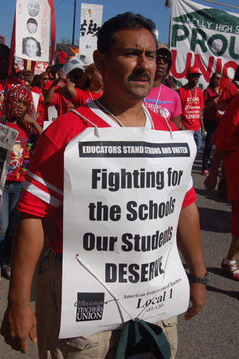 Teachers' leader: Schools reflect society's polarization and anger